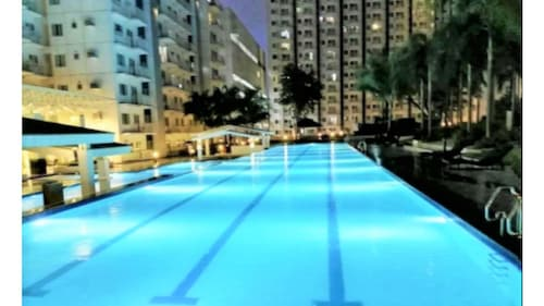1BR Suite Love SM North Grass Residences, Quezon City
