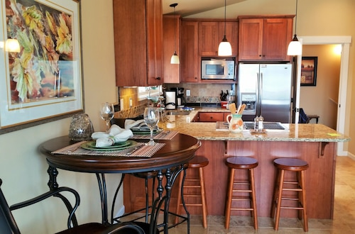 Silver Beach Lakeside Suite - One Bedroom Apartment, Whatcom