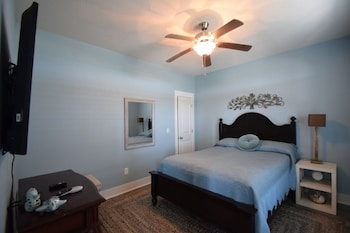Somewhere Be On The Sea 3 Bedrooms 2 Bathrooms Home