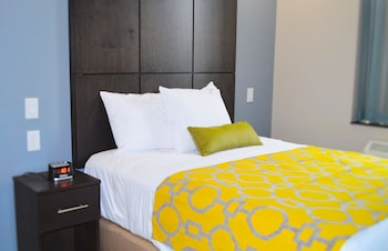 Guestroom at Voyage Hotel in Long Island City