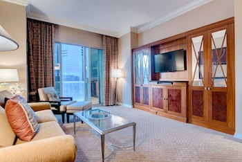 StripViewSuites at Signature Image