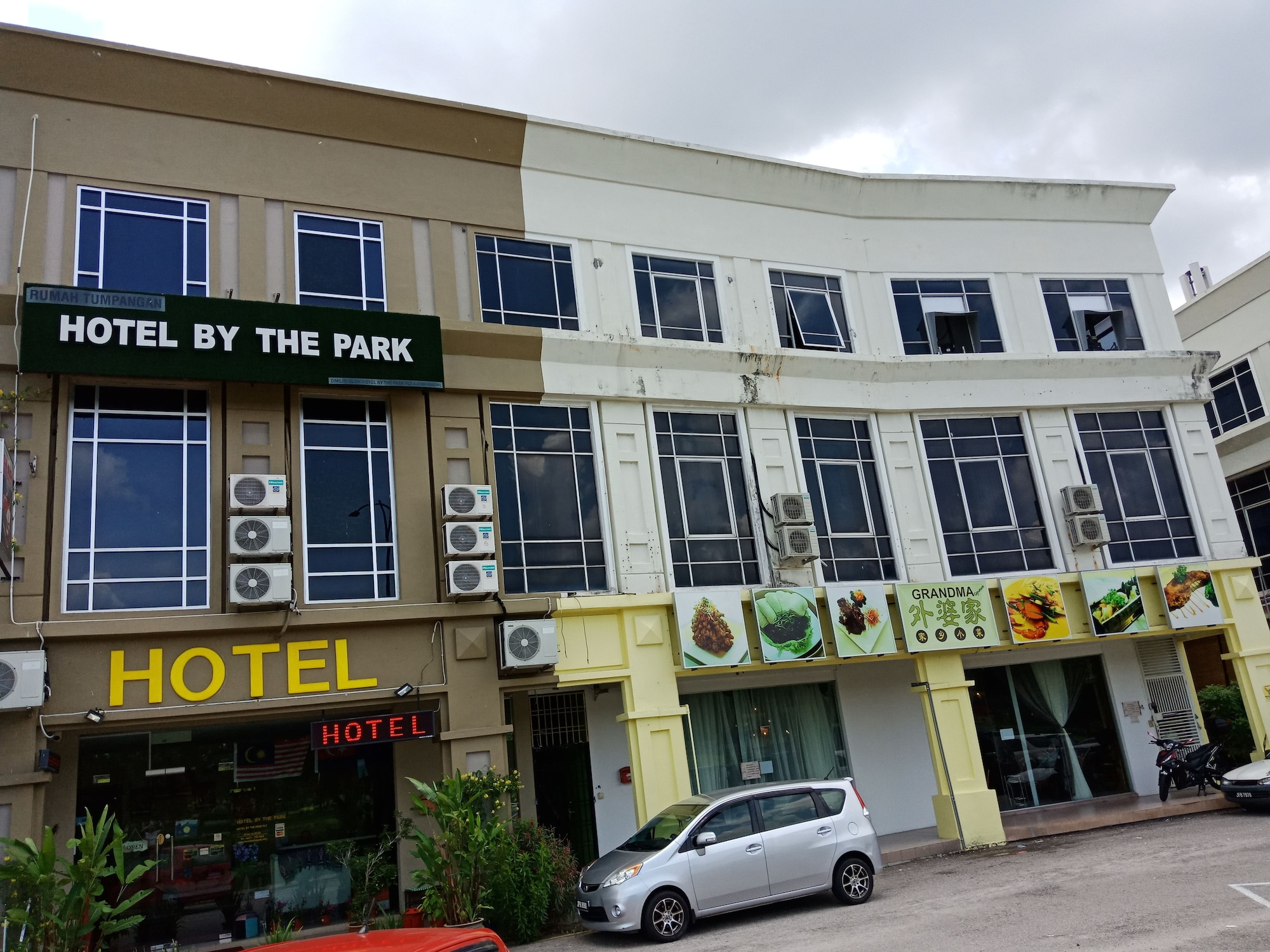 Hotel By The Park, Johor Bahru