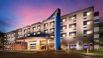 GLō Best Western Nashville Airport West