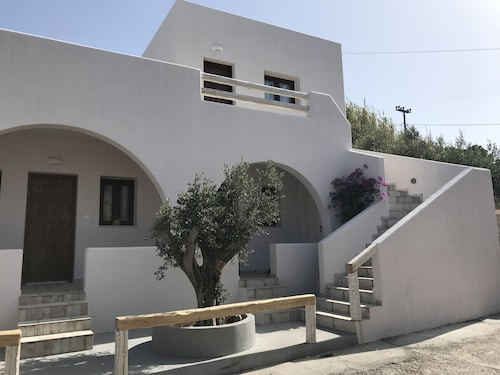 . Elia Residences Santorini