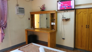 HENSONVILLE PLACE Room