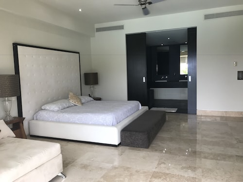 Avalon by SkyRun, Puerto Vallarta