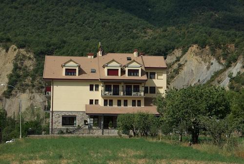 . Hotel Cotiella