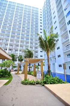 5 STAR LUXURY CONDO SHORE RESIDENCES Property Grounds
