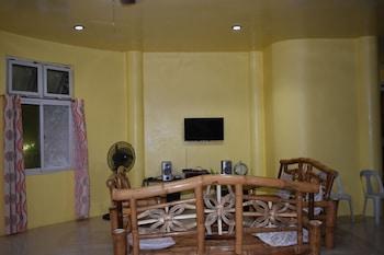 CAMIGUIN ISLAND HOME Interior