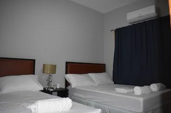 CAMIGUIN ISLAND HOME Room