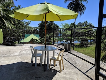 CAMIGUIN ISLAND HOME Terrace/Patio