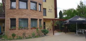 . Ralf Residence