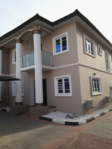 Avonix Homes, IbadanNorth