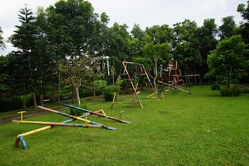 CHARMING TAGAYTAY VACATION HOME Childrens Play Area - Outdoor