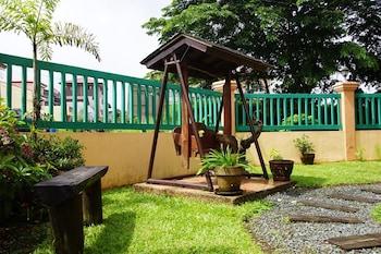 CHARMING TAGAYTAY VACATION HOME Garden