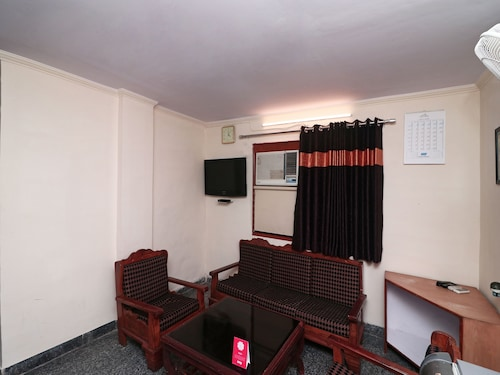 OYO 14931 Hotel Step In, Faridabad