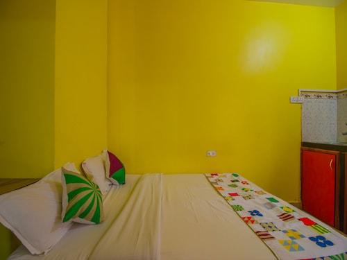 OYO 14087 Home Cheerful 1BHK Calangute, North Goa