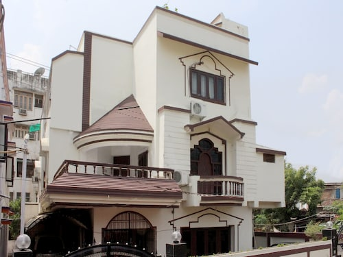 OYO 6841 Home Stay near Boring Road, Patna