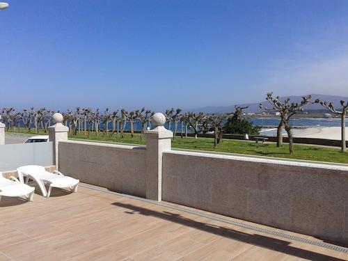 . Apartamentos Playa Rapadoira