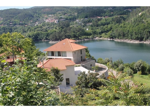 Villa With 4 Bedrooms in Pandoses, With Wonderful Lake View, Pool Acce, Vieira do Minho