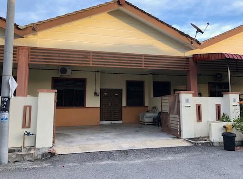 Seri Permai Homestay Pekan Pahang, Pekan