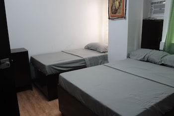 MINA'S PLACE Room