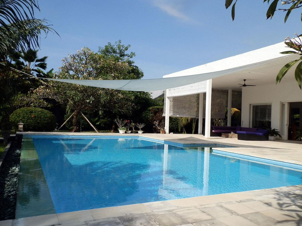 Villa Cymopoleia