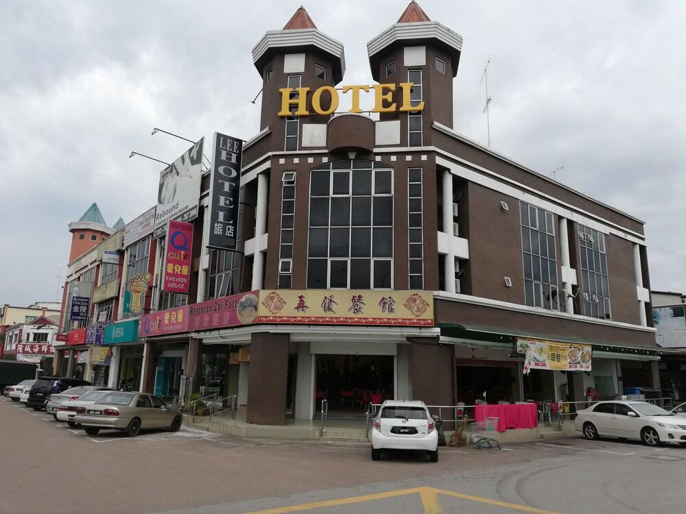 Lee Hotel