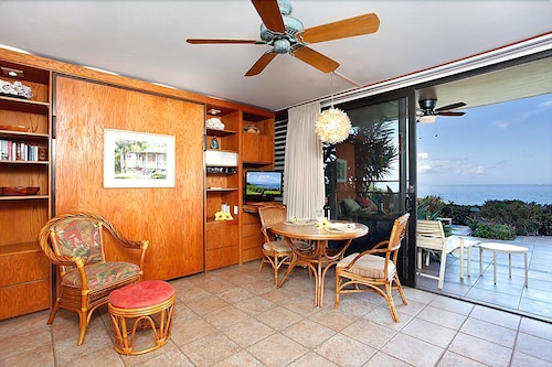 101 Punahoa Condo 1 Bedroom 1 Bathroom Condo, Maui