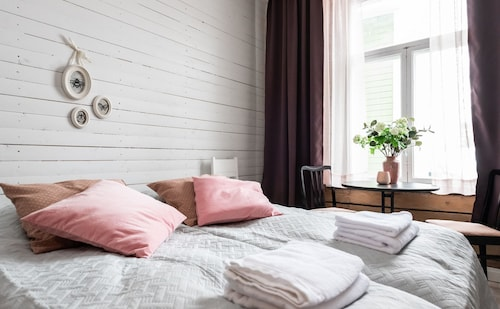 . Pikisaari Guesthouse