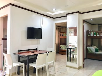 2BR 407 ROSS ANNE BAGUIO TRANSIENT Living Area