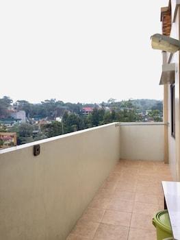 2BR 408 ROSS ANNE BAGUIO TRANSIENT Terrace/Patio