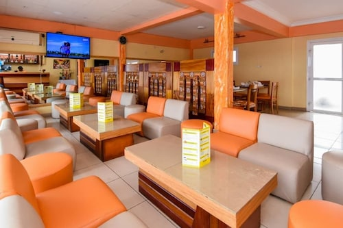 Hotel Serena Palace, Wouri