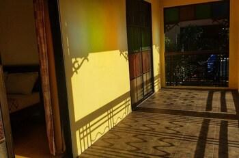 TALISAY LAKESIDE VILLAS Balcony