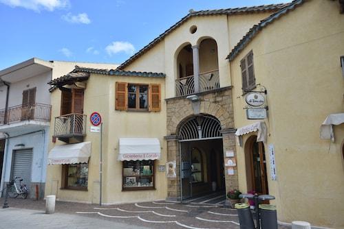 IzzHome Vittorio Emanuele, Cagliari