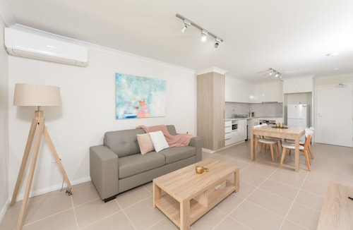 Lakeview Apartment Suite 18, Rockingham