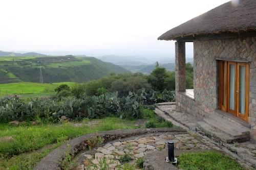 Mezena Lodge, Semen Wello