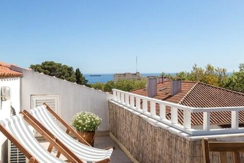 Charming-Estoril-Ocean-View-Apartment, Cascais