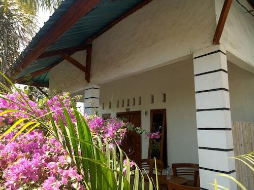 Sari Laut, Lombok