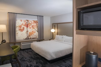 Guestroom at Fairfield Inn & Suites by Marriott Dallas Cedar Hill in Cedar Hill