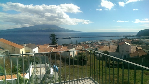 House With 3 Bedrooms in Horta, With Wonderful sea View, Furnished Ter, Horta