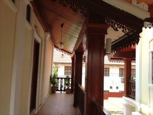 Sangkham Hotel, Louangphrabang