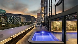 The Onyx Apartment Hotel
