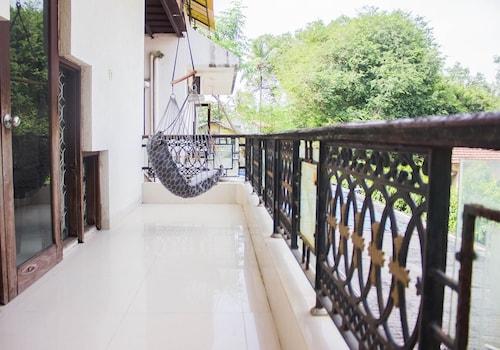 Hotel Beach Classic, Palghar
