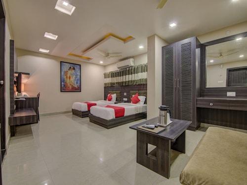 . Capital O 4266 Hotel Sagar