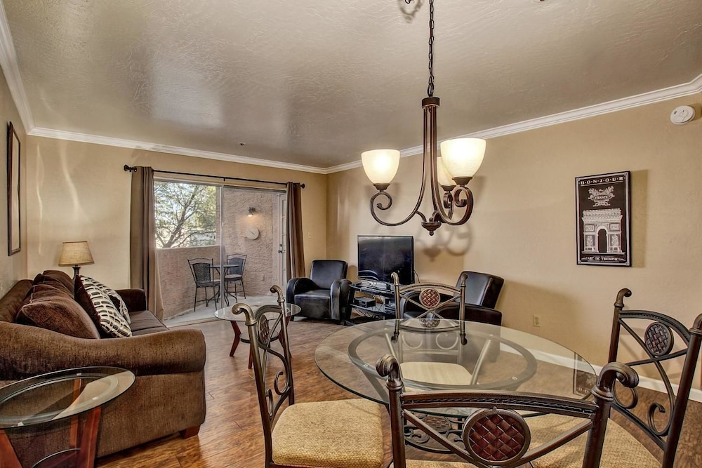 SCOTTSDALE STAYS OLD TOWN 2 BEDROOM CONDO
