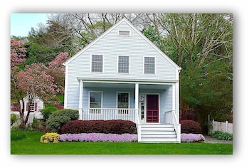 Walkable Home in Mystic Historic District photo