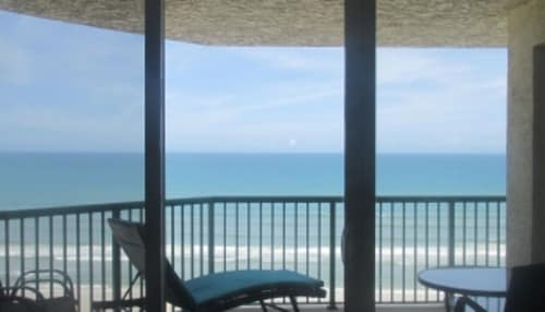 Oceanfront Balcony  - 2 BR 2 BA - Di Mucci Twin Towers 1107, Volusia
