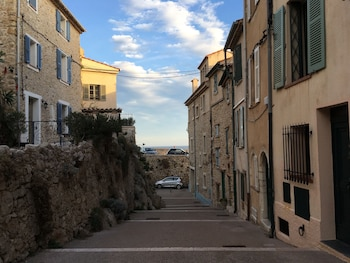 Stay In Antibes