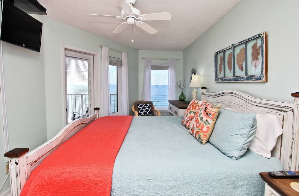 Boardwalk 986 - Two Bedroom Condo